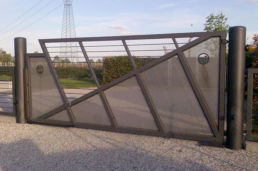 Cancello In Ferro Moderno.Cancelli Moderni In Ferro Battuto A Treviso Cadorin Carpenterie Srl