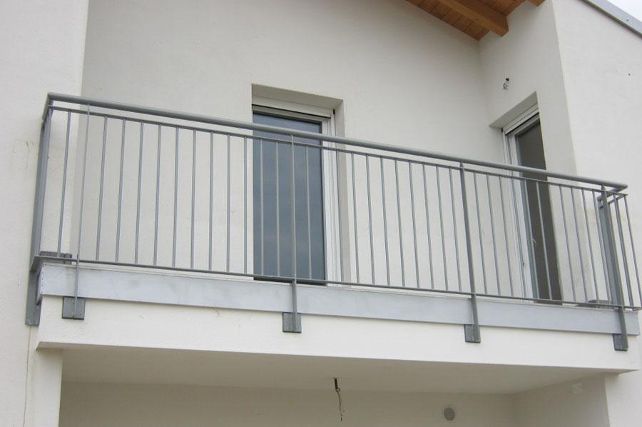 Ringhiere balconi per esterni va68 regardsdefemmes - Ringhiere in ferro battuto per balconi esterni ...