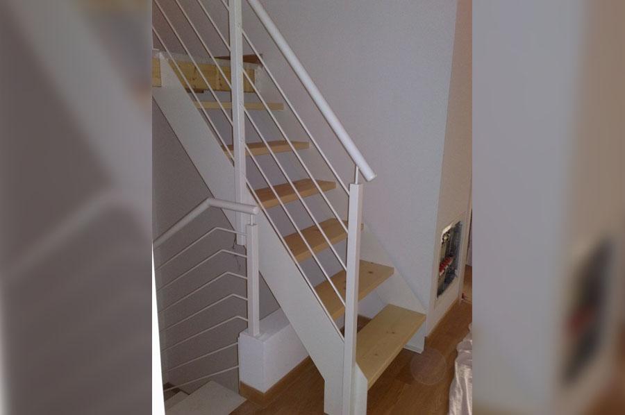 Parapetti e ringhiere in ferro per interni a treviso - Ringhiere da interno moderne ...