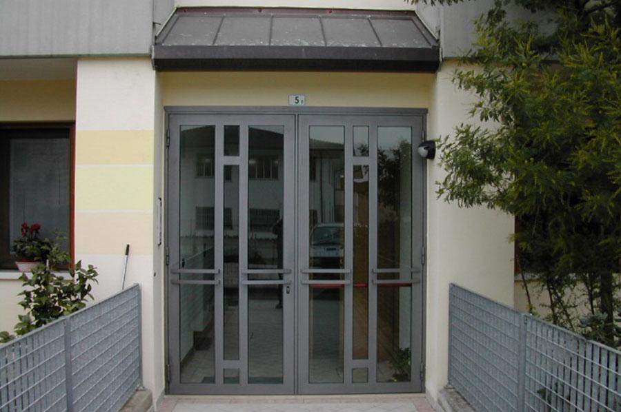 Top Serramenti in ferro, alluminio e acciaio a Treviso | Cadorin  MG58