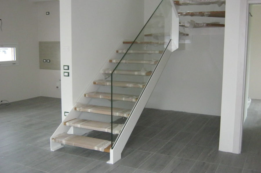 Scale in metallo a treviso posa per interni ed esterni - Scale in legno per interno ...