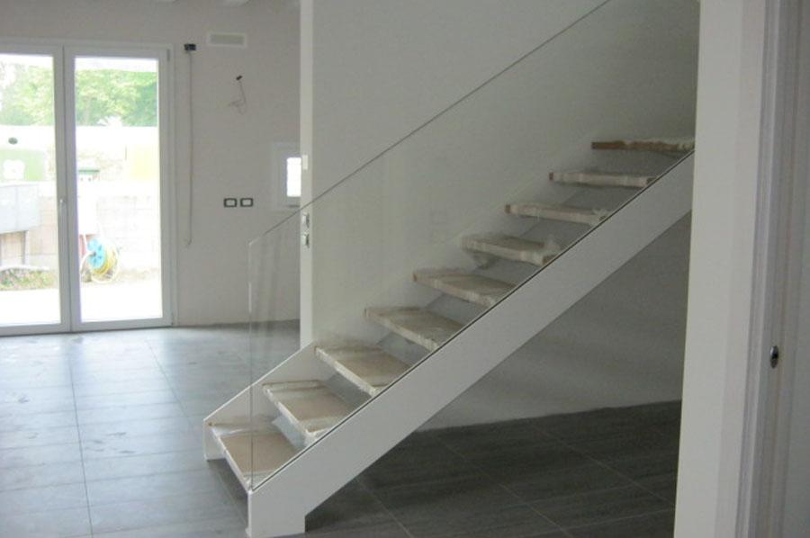 Scale in metallo a treviso posa per interni ed esterni for Gradini in legno prezzi